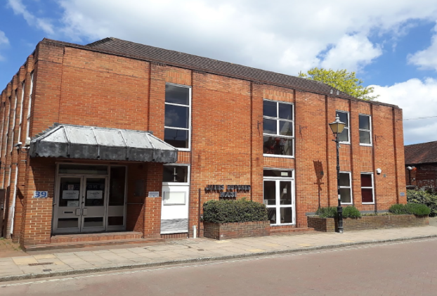 Contracts Exchanged on Vacant Office Building with PD in Theale